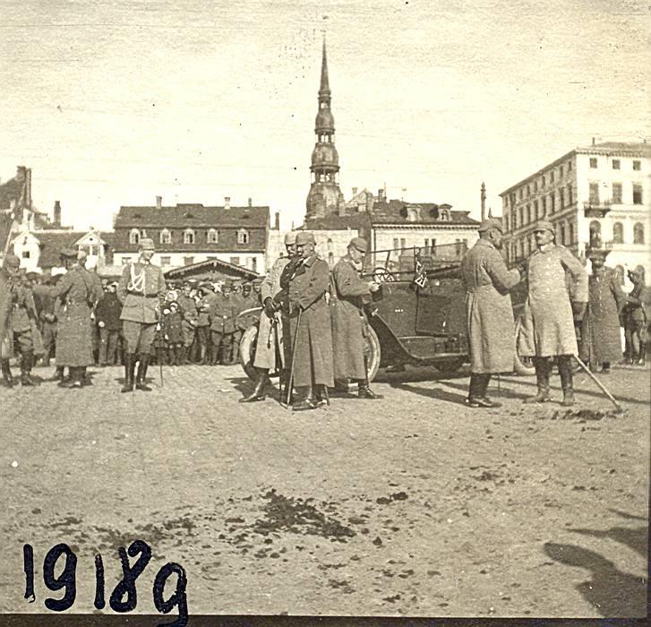 Vācijas ķeizars Vilhelms II Rīgas Rātslaukumā 1917. gada 7. septembrī.