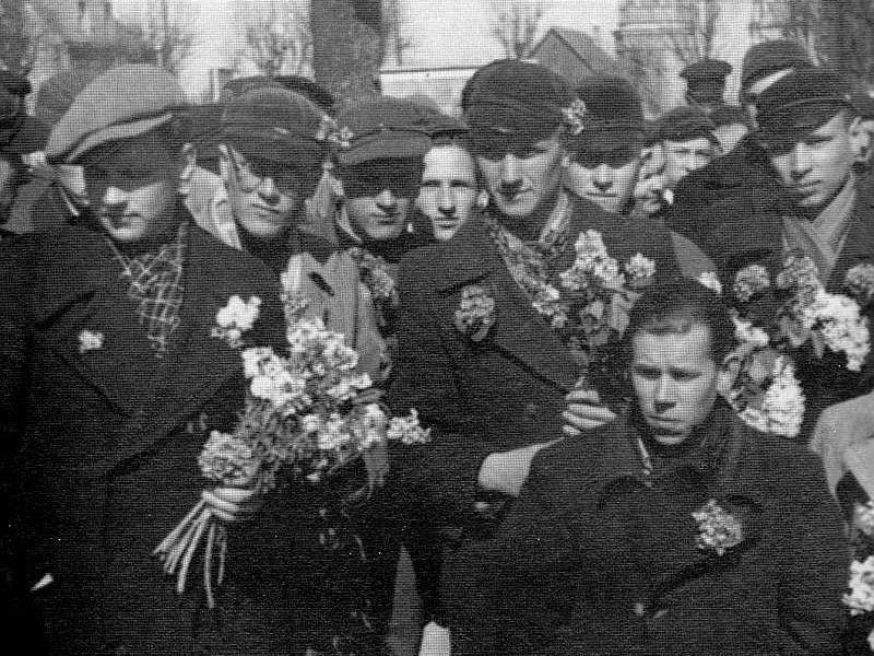 Leģionā iesauktie jaunieši no Cēsu apkaimes 1943. gada pavasarī.