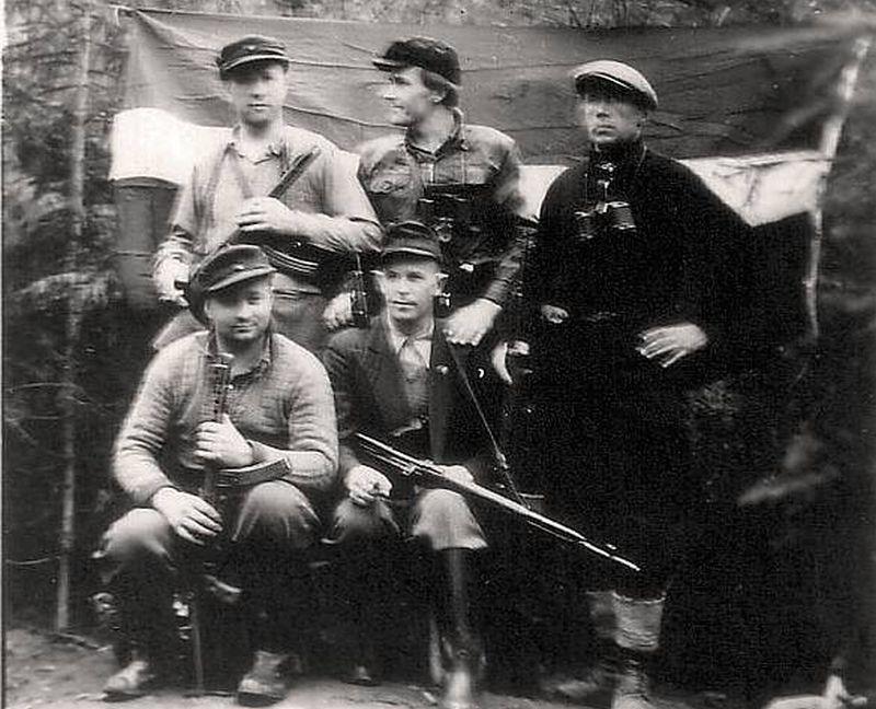 LNPA Centrālvidzemes apgabala partizāni. 1950. g. pavasaris. (SAB Totalitārisma seku dokumentēšanas centrs)