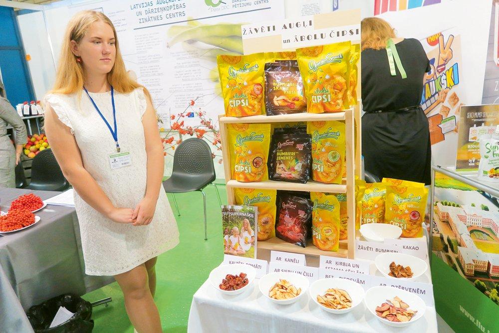 """"""" Garden snacks"""" produkcija izstādes """"Riga Food 2017""""  invoatīvo produktu stendā."""