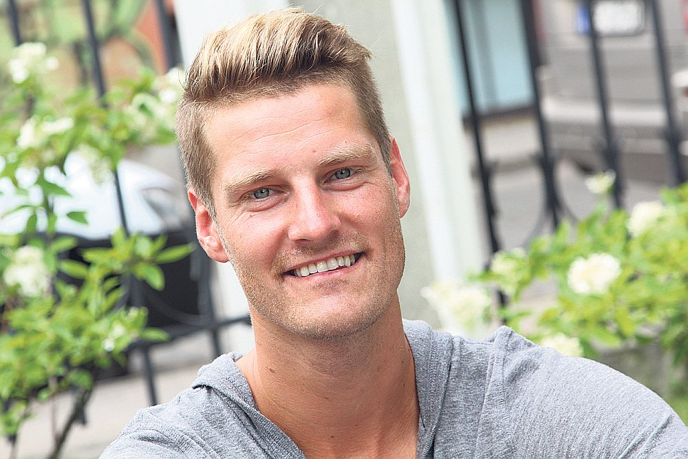 Raivis Hščanovičs ir vienīgais Ziemeļamerikas līgā (MLS) spēlējušais Latvijas futbolists, bet pēc karjeras beigām pievērsās labdarībai.