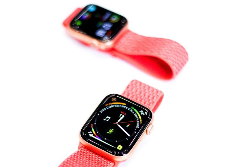 """""""Apple"""" pulksteņa """"Apple Watch"""" 4. paaudzes modeļi spēs veikt elektrokardiogrammu."""