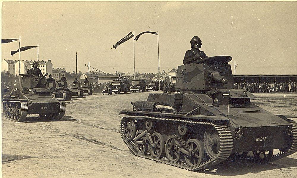 Latvijas armijas parāde Uzvaras laukumā. 1939. gada 15. maijs.