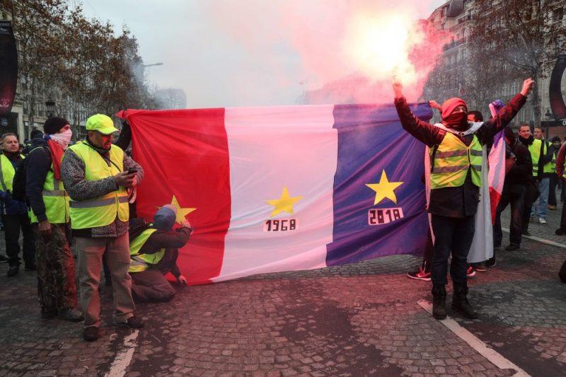 """Francijā notiek """"dzelteno vestu"""" protesti, 08.12.2018."""