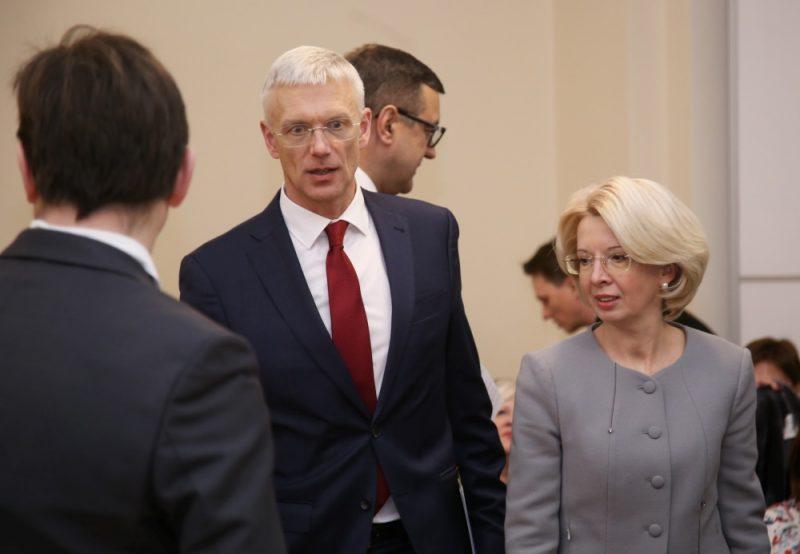 Ministru prezidents Krišjānis Kariņš un Saeimas priekšsēdētāja Ināra Mūrniece pirms pirmās Sadarbības sanāksmes sēdes Ministru kabinetā, 28.01.2019.