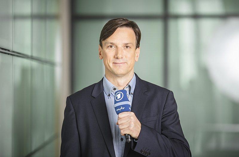 """Danko Handriks: """"Vāciešiem ir klišejas par Viduseiropu un Austrumeiropu. Čehi dzerot daudz alus, poļi zogot automašīnas utt. Bet svarīgākas ir vērtības, kas vieno."""""""
