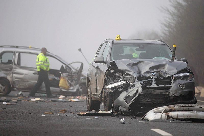 Kaut gan Apvienotajā Karalistē kustība notiek pa kreiso ceļa pusi, tomēr avārijas visbiežāk atgadās apļveida krustojumos.