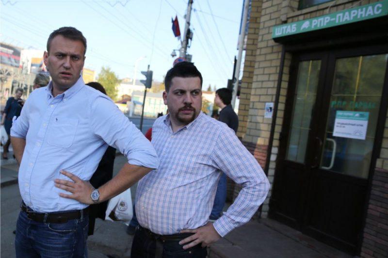 Aleksejs Navaļnijs (foto – no kreisās) un Leonīds Volkovs.