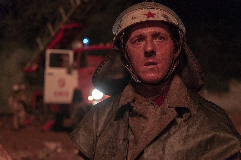 """""""Černobiļas"""" autors neklusē par to, ka dramaturģiskas un tematiskas skaidrības vārdā ir atkāpies no faktiem un vietām mainījis notikumu hronoloģiju. Seriālu latviešu valodā var noskatīties Helio iTV."""