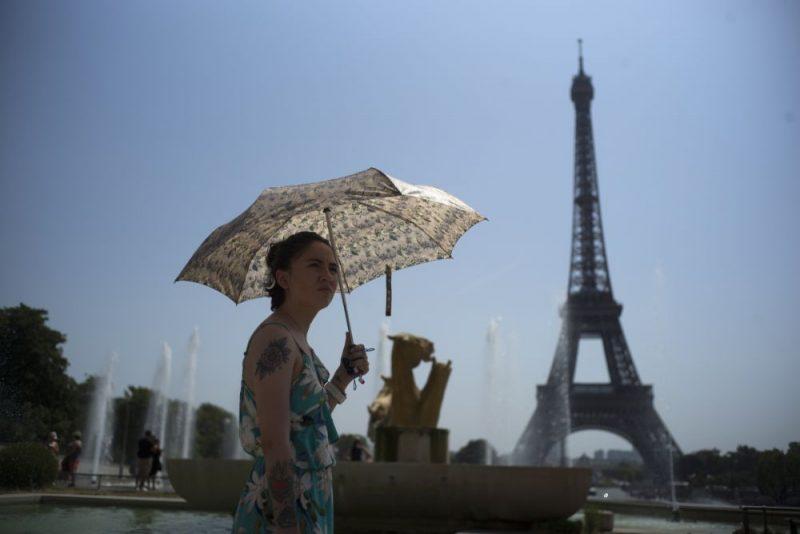 Parīze.