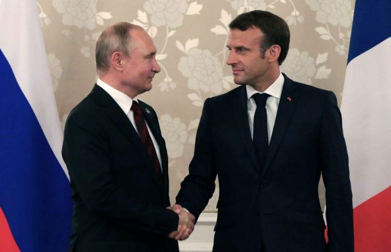 Vladimirs Putins un Emanuels Makrons.
