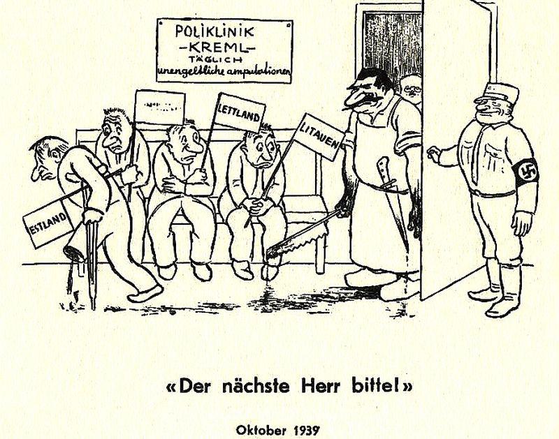 """Šveices satīras žurnāla """"Nebelspalter"""" 1939. gada oktobra karikatūra (apakšā paraksts: """"Nākamais, lūdzu!"""") par Vācijas un PSRS kopīgi īstenoto baltiešu suverenitātes """"amputāciju"""". Tobrīd daudziem šķita, ka Staļins aprobežosies vien ar Baltijas kontroli, bez okupācijas."""