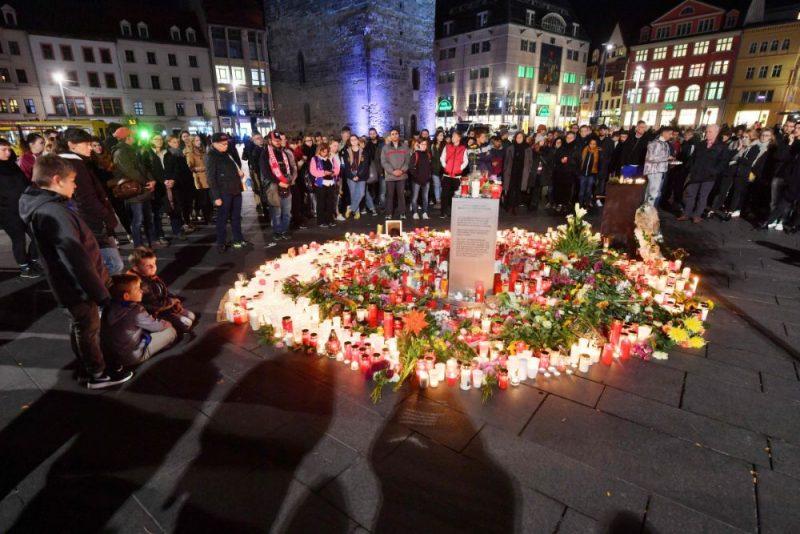 Halle Vācijā, kur piemin apšaudes upurus.