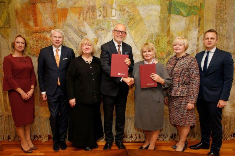 Rīgas Stradiņa universitāte (RSU) plāno slēgt sadarbības līgumus ar vairāk nekā 20 veselības aprūpes iestādēm visā Latvijā, to skaitā reģionālajām slimnīcām.