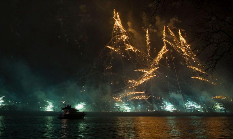 Latvijas dibināšanas 101.gadadienas svētku uguņošana Rīgā