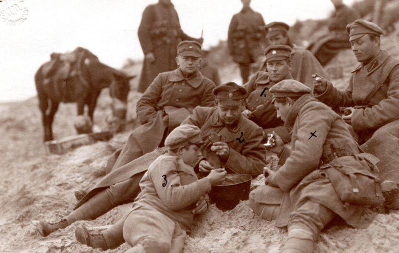 Latvijas armijas karavīri Bolderājas kāpās. 1919. gads.