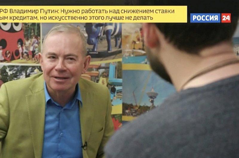 """Aivars Lembergs Krievijas televīzijai stāsta, ka sankcijas noteiktas pret viņa trīsgadīgo dēlu: """"Nezinu, kuru viņš tur ir apvainojis."""""""