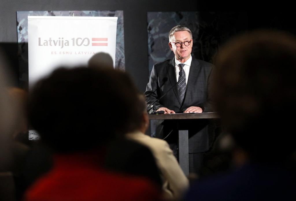 """Kultūras ministrs Nauris Puntulis piedalās pasākumā viesnīcā """"Pullman Riga Old Town"""", kurā informē par Latvijas valsts simtgades programmas pirmā posma rezultātiem."""