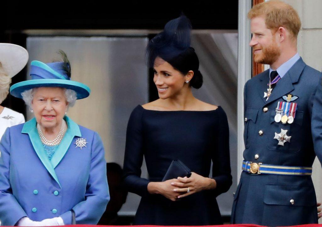 Elizabete II, Megana Mārkla un princis Harijs.