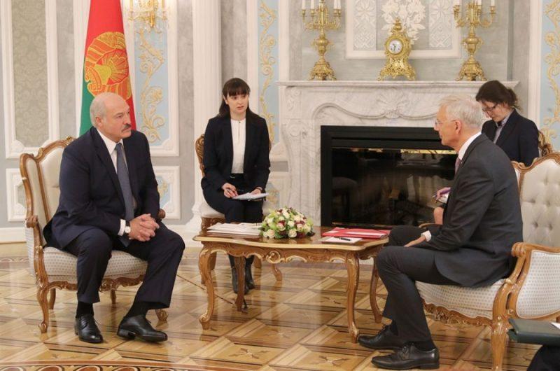 Krišjānis Kariņš tiekas ar Aleksandru Lukašenko.