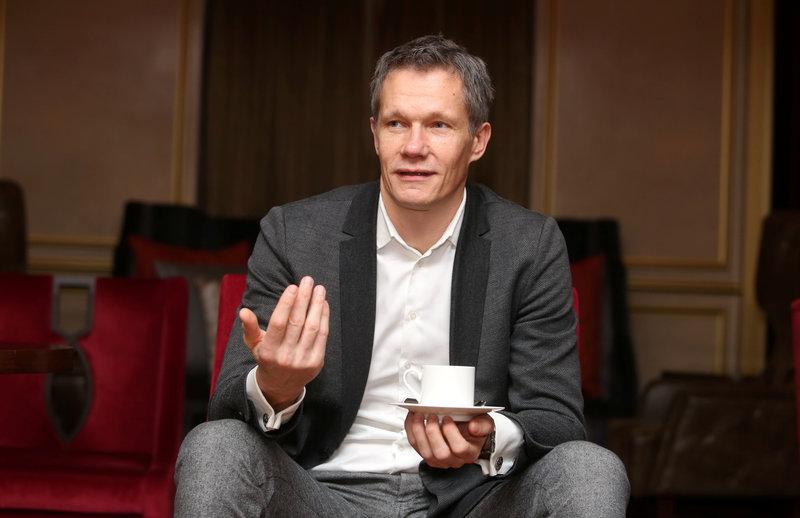 Neatkarīgi no tā, kā otrdien noslēgsies Latvijas Basketbola savienības (LBS) prezidenta vēlēšanas, Edgars Šneps ilgstoši vairs neplāno pildīt ģenerālsekretāra pienākumus.