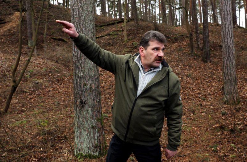 Ingmārs Līdaka – zoologs, dabas aizsardzības aktīvists un politiķis.