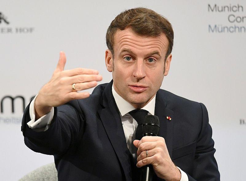 Uzrunā Minhenes konferencē Francijas prezidents Emanuels Makrons uzsvēra, ka spēcīgāks Eiropas aizsardzības pīlārs papildinātu NATO, ne aizstātu to.