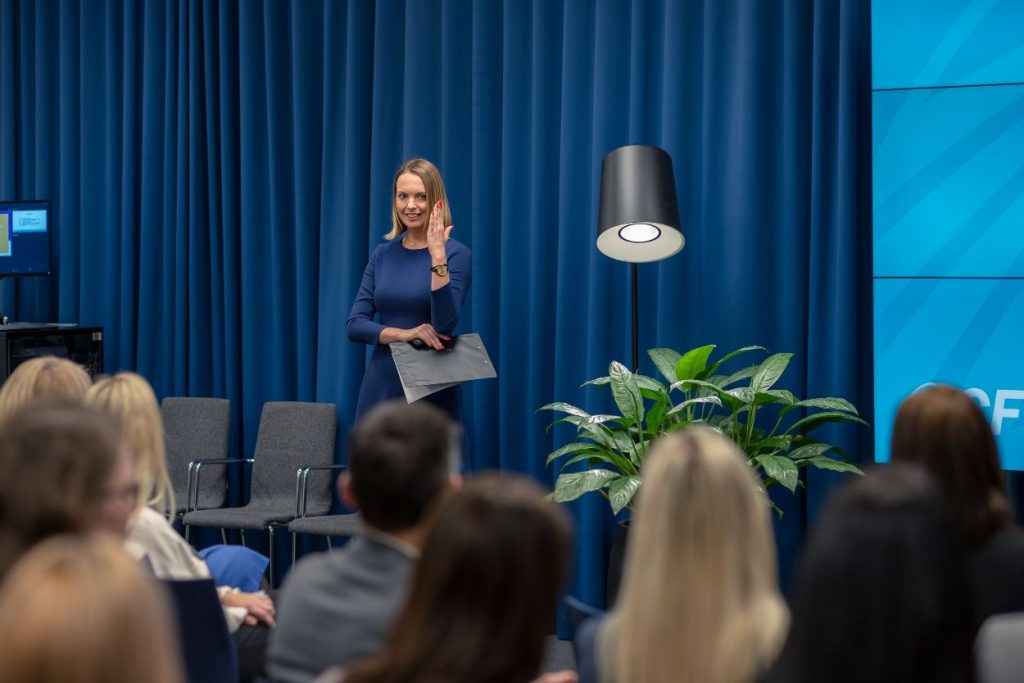 Laura Kunstberga savā sesijā skaidros kā zemapziņas programmas, pārliecības un izvirzītie dzīves mērķi veicina vai kavē dzīves vīzijas un sapņu realizāciju.