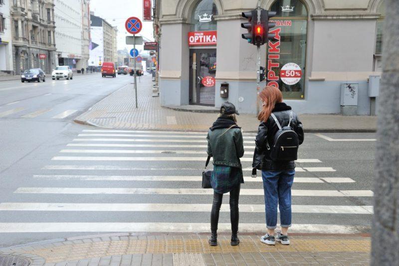 Rīgas ielas 18. martā. Kopš 12. marta Latvijā ārkārtas stāvoklis Covid-19 dēļ