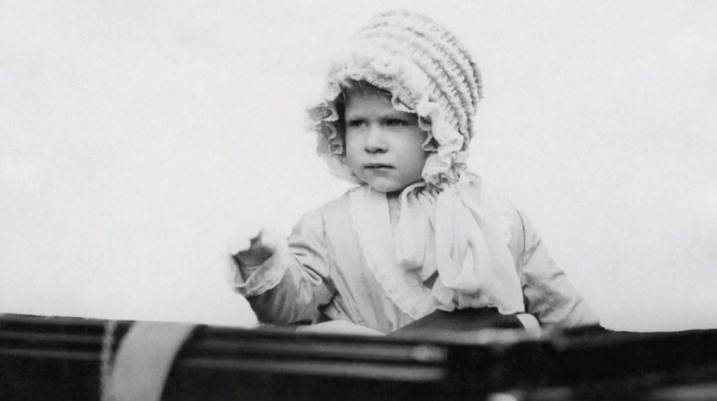 Karaliene Elizabete II bērnībā.
