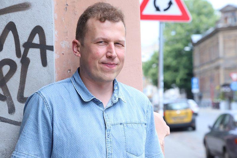 """Nils Sakss-Konstantinovs: """"Mani novērojumi liecina – pirmajās izolēšanās dienās lielākā daļa viegli tika galā ar neierasto situāciju, bet tagad trauksmes sajūta pārņem aizvien lielāku skaitu bērnu un jauniešu."""""""