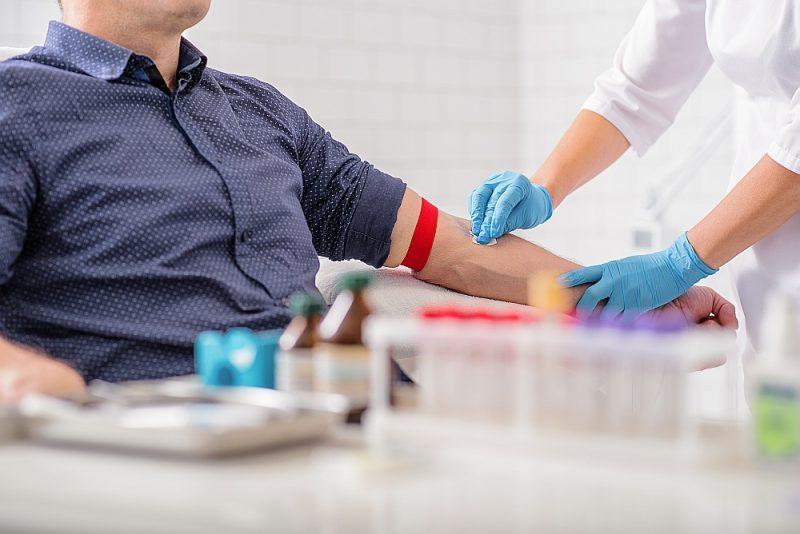 Par kuņģa un zarnu asiņošanu liecina arī izmaiņas asinsanalīzēs.