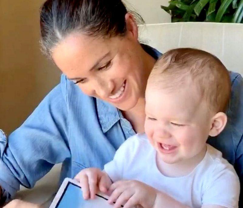 Megana ar dēliņu Ārčiju.