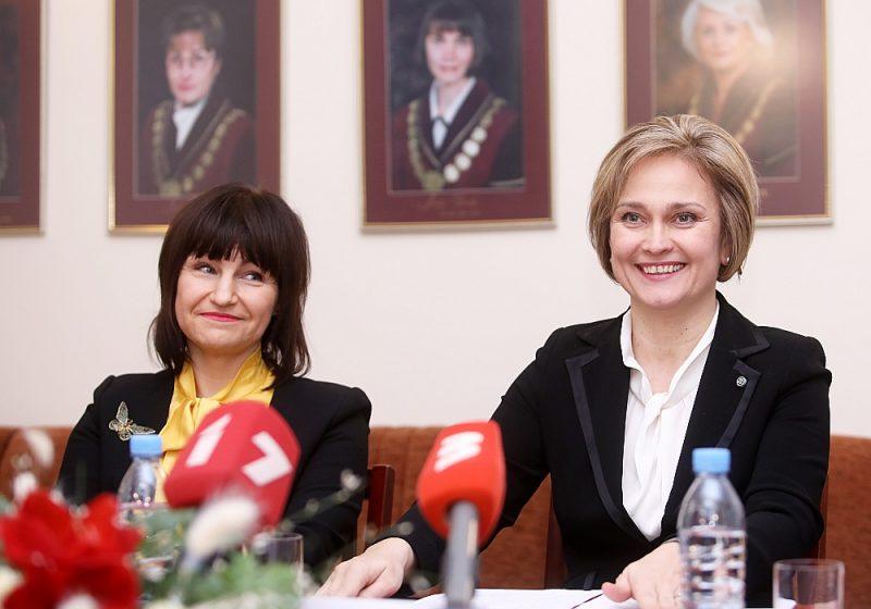 Satversmes tiesas priekšsēdētāja Ineta Ziemele (no labās) un viņas vietniece Sanita Osipova.