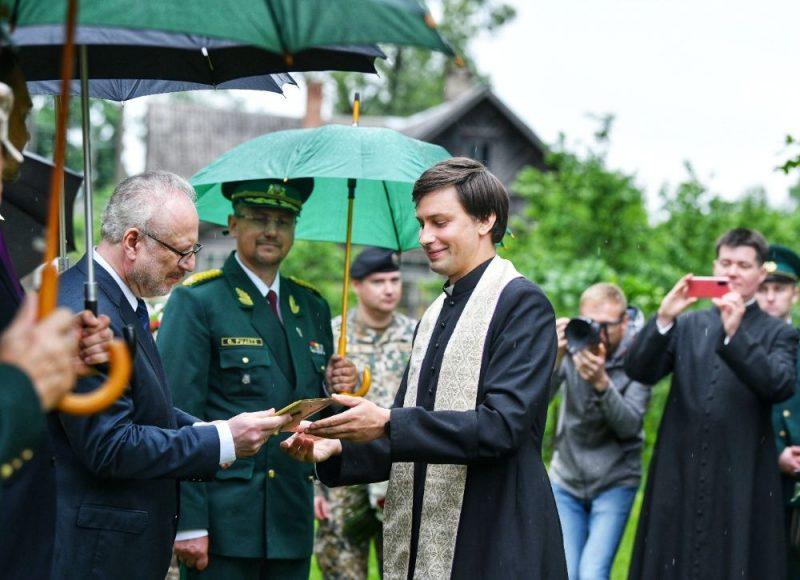 Prezidents Egils Levits Masļenku traģēdijas 80.gadadienas piemiņas pasākumā Baltinavā.