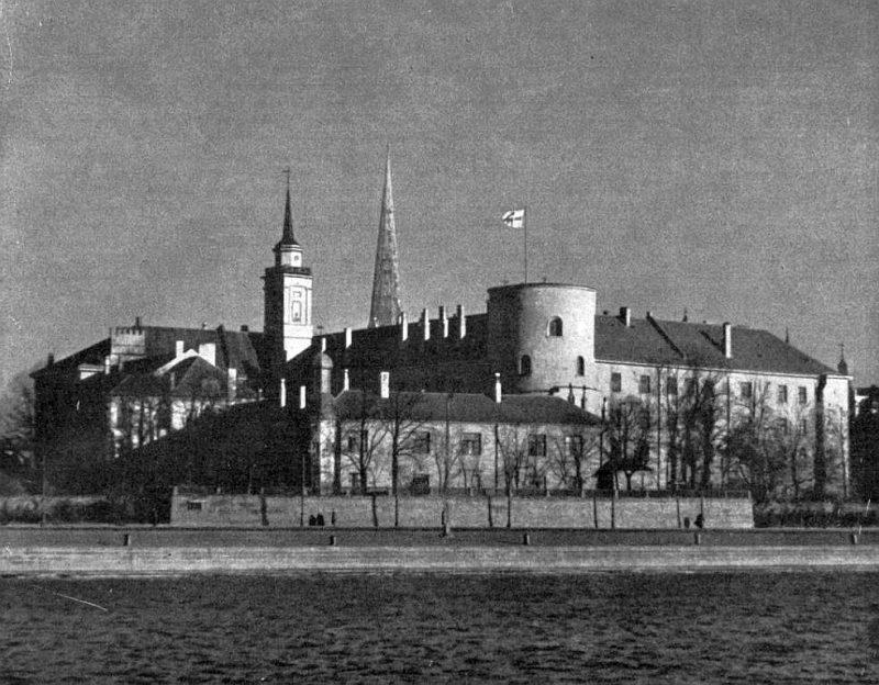 Rīgas pils 30. gadu beigās.