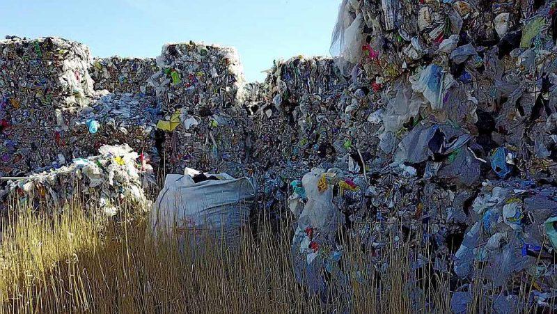 Atkritumu ķīpas.