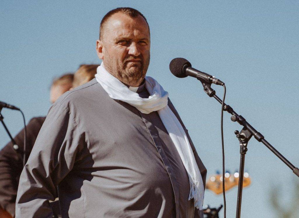 Kalna svētību kopienas vadītājs mācītājs Andrejs Mediņš.