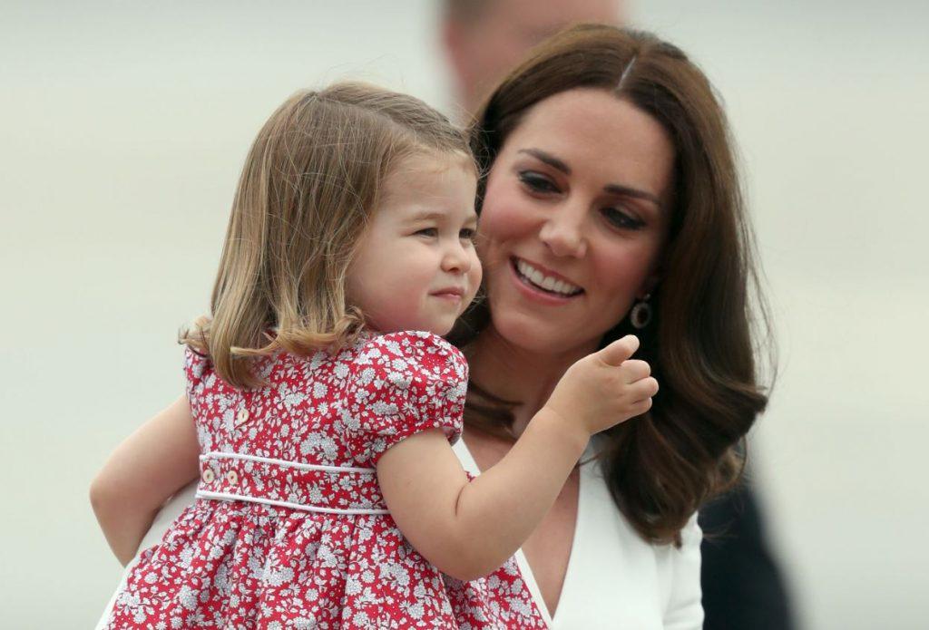 Keita Midltone kopā ar savu meitu, princesi Šarloti.
