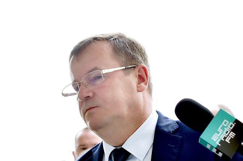"""Baltkrievijas Drošības padomes sekretārs Anatolijs Ravkovs apsūdzējis aizturētos """"Vagner"""" kaujiniekus un prezidenta Aleksandra Lukašenko režīma kritiķus sadarbībā centienos sarīkot masu nemierus pirms prezidenta vēlēšanām."""