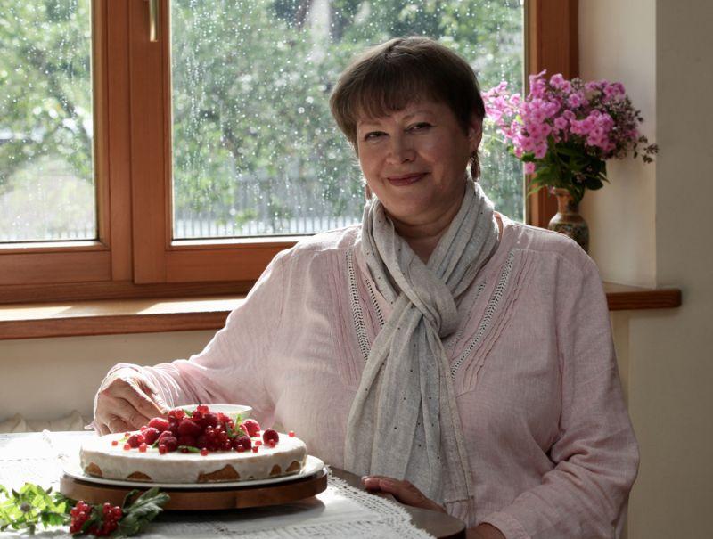 Sandra Ošiņa ar aizrautību pāris mēnešus dzinusi pēdas Aleksandra tortes vēsturei un ģimenei par prieku to arī diezgan bieži uzcepusi.