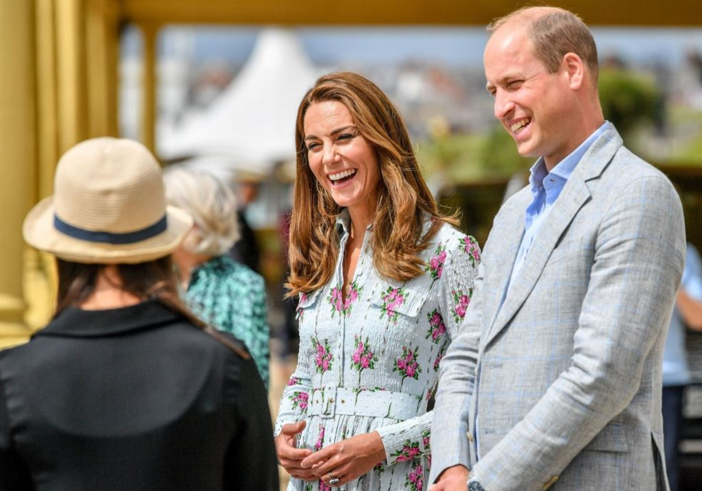 Princis Viljams un Keita Midltone klātienē atsākuši pildīt karaliskās ģimenes pienākumus.