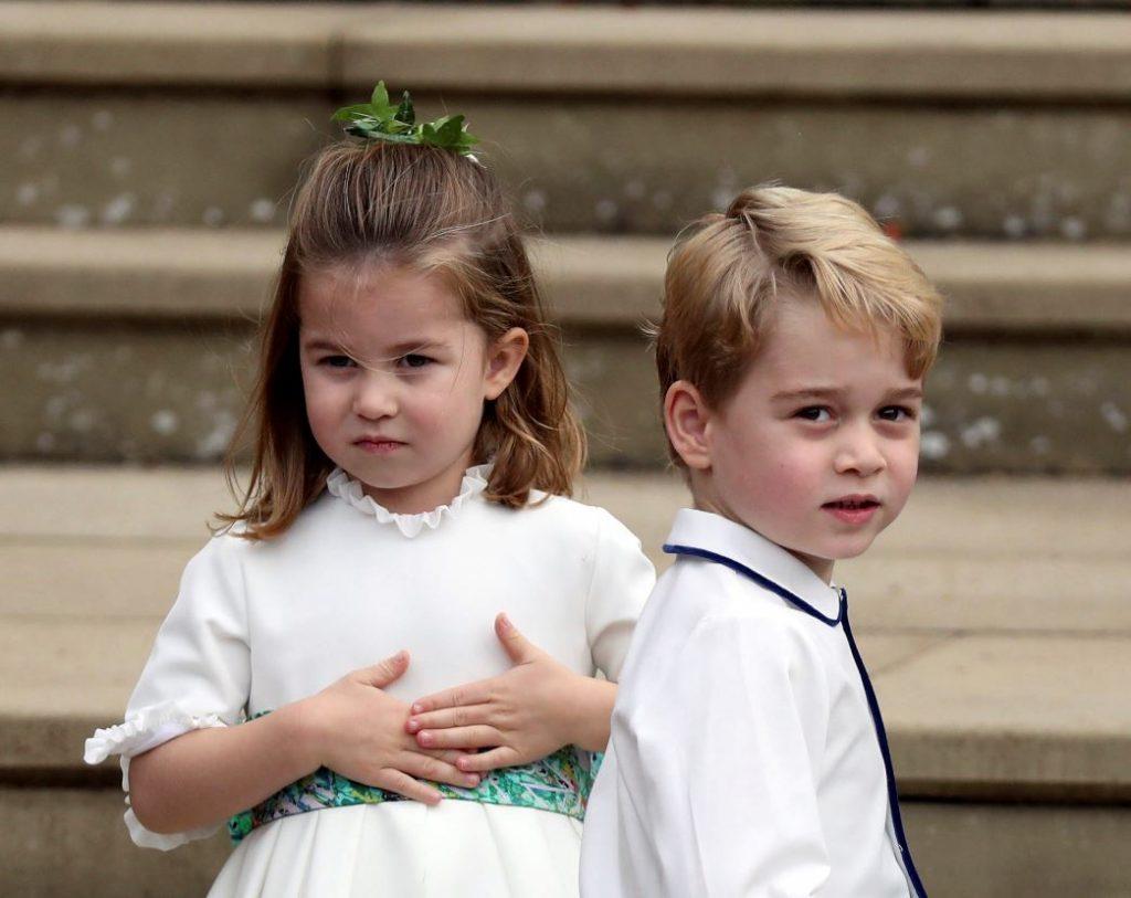 Princese Šarlote un princis Džordžs 2018.gadā prinča Harija un Meganas Mārklas kāzās.