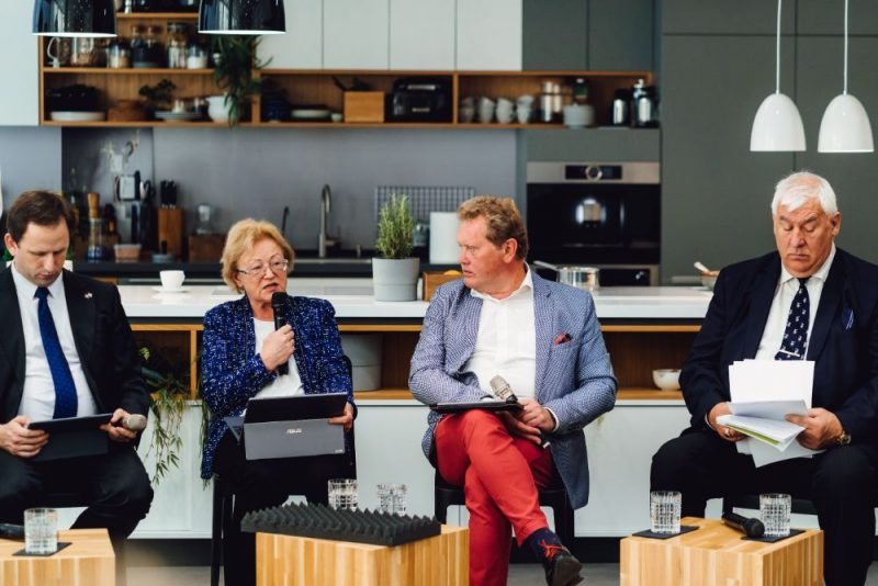 """Diskusija """"Kāpēc svarīgi izvēlēties kvalitatīvus vietējos pārtikas produktus?"""""""