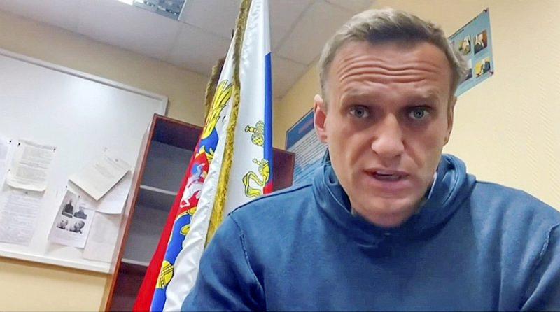 Pēc aresta Aleksejs Navaļnijs tika aizvests uz Himku policijas iecirkni, kur viņam steigā piesprieda 30 dienu ieslodzījumu, bet viņš paguva publiskot aicinājumu saviem atbalstītājiem iziet ielās.