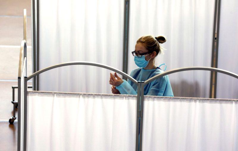 Ventspilī izmēģina Latvijā pirmā liela mēroga vakcinācijas pret Covid-19 punkta darbību