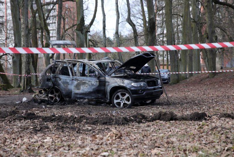 """Sadegusī futbola aģenta Romāna Bezzubova slepkavībā izmantotā """"BMW"""" markas automašīna"""