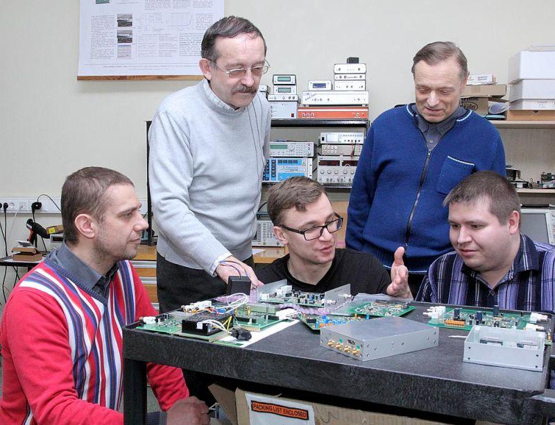"""Latvijas jaunuzņēmums """"Eventech"""" ir līderis lāzertālmēru sistēmu (SLR) tirgū un ar savām unikālajām tehnoloģijām pēc pāris gadiem nodrošinās arī misijas """"Luna 27"""" kosmosa kuģa nolaišanos uz Mēness."""
