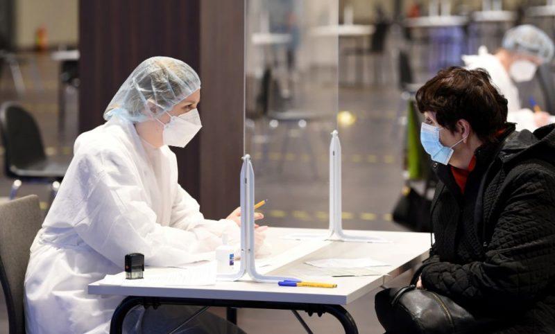 Masveida vakcinācijas centrs, kur vakcīnu pret Covid-19 saņem prioritārās grupas – seniori virs 70 gadiem un iedzīvotāji ar hroniskām saslimšanām.