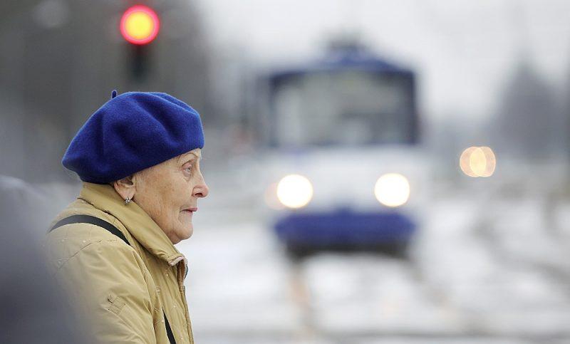 Vecuma pensijas Latvijā saņem gandrīz 450 tūkstoši valsts iedzīvotāju.